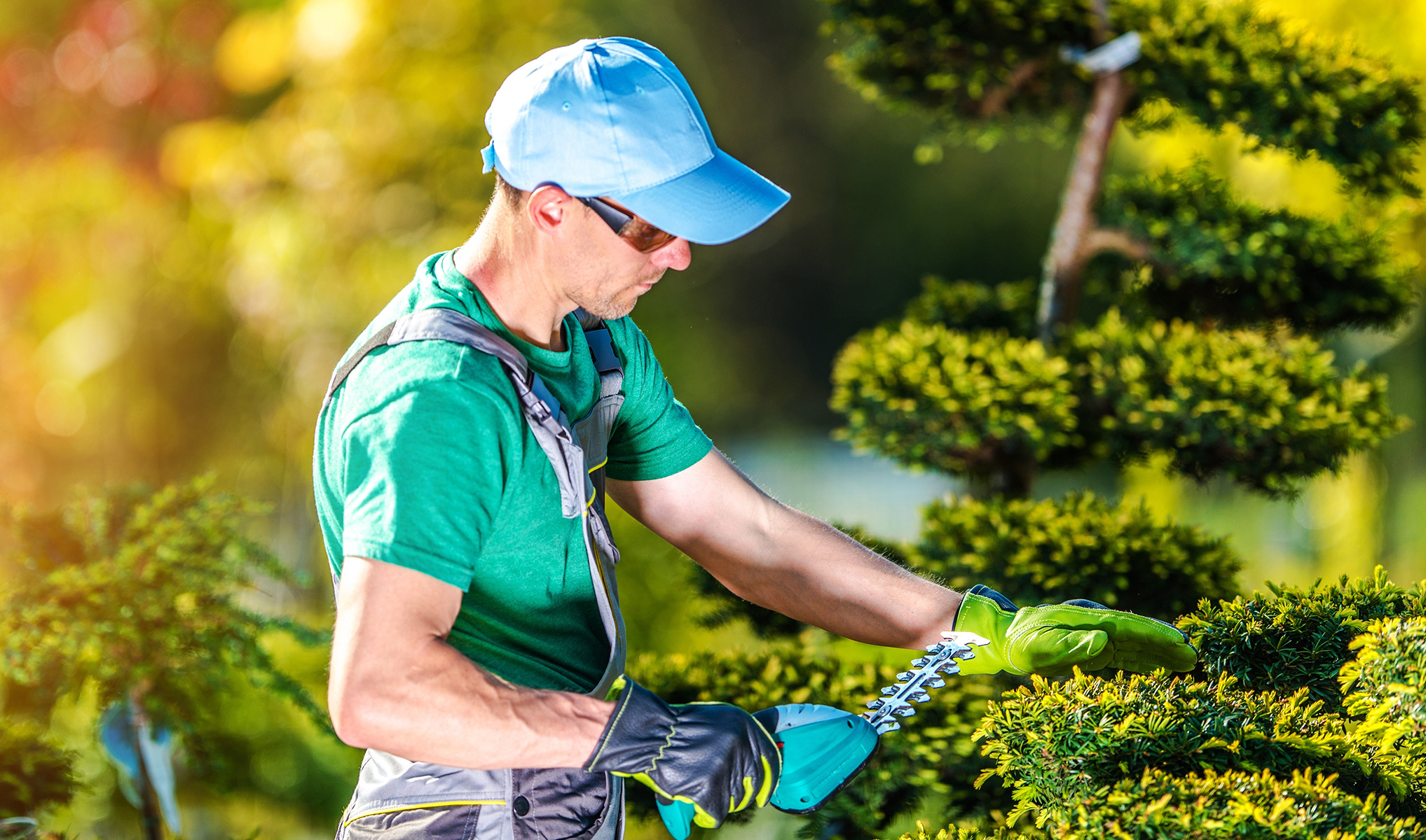 How Lawn and Landscape Professionals Can Support Their Customers During COVID-19
