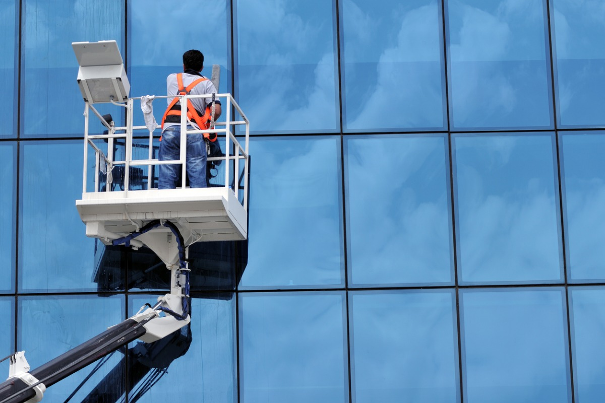 Best Window Cleaning Tools: 11 Tools For Window Cleaning Professionals
