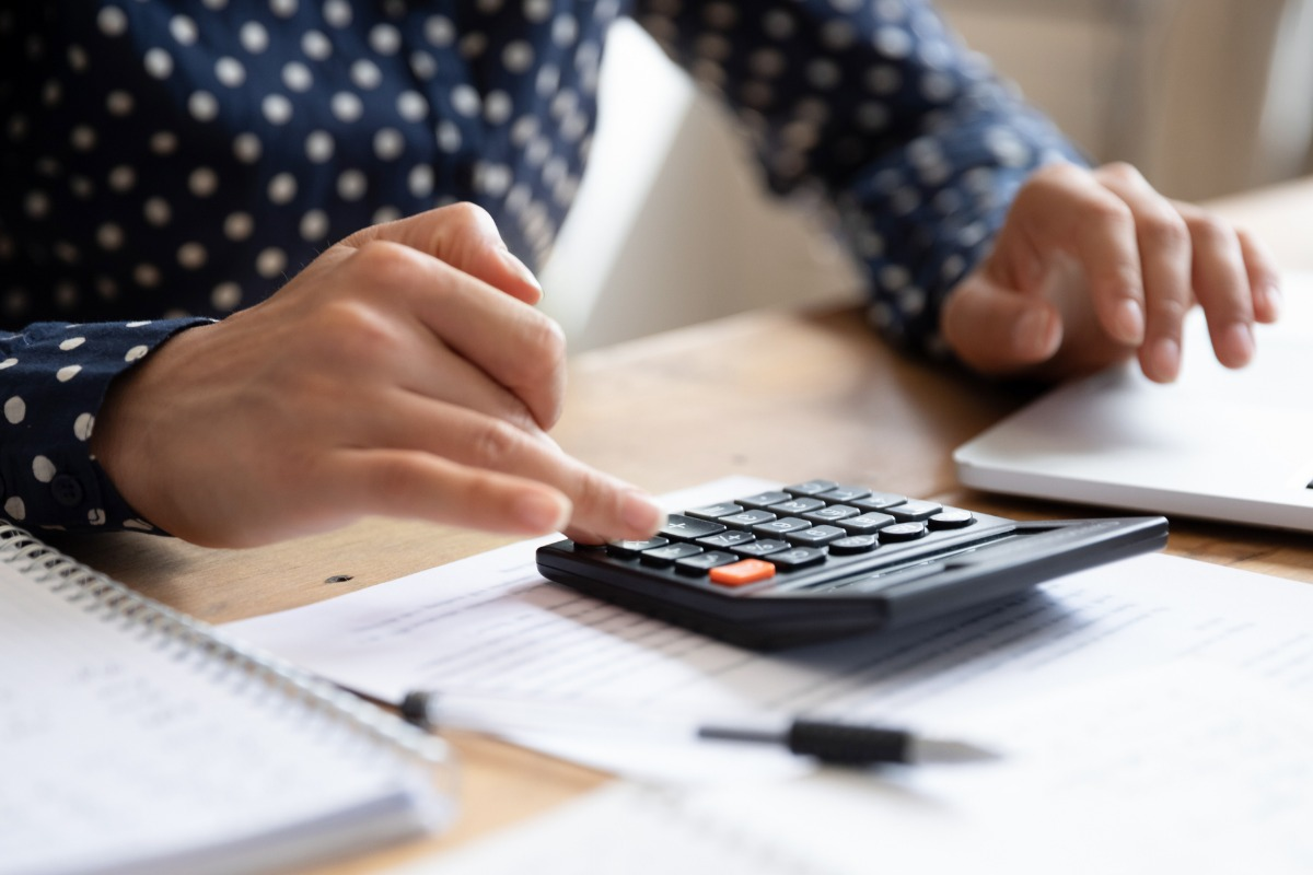 5 Ways Using a Flat Rate Pricing Book Benefits Field Service Businesses—And Their Customers